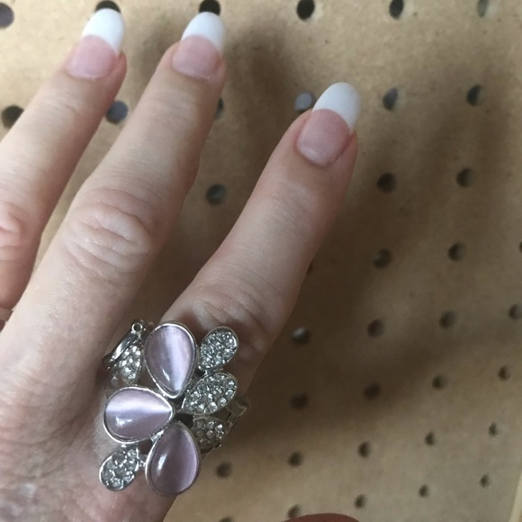Pink & rhinestone ring in floral design